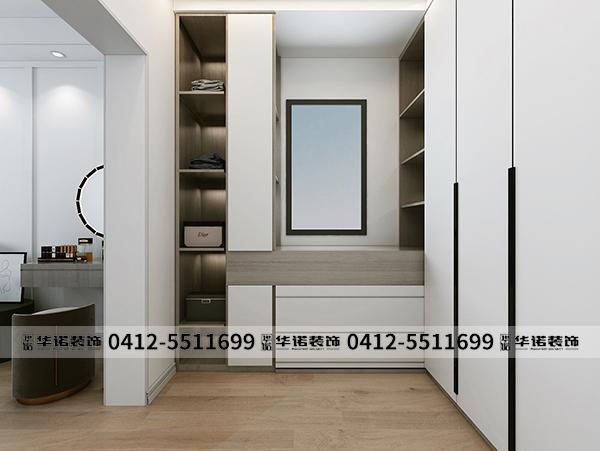 君汇上品-朱女士-现代-125-9主卧室衣帽间.jpg